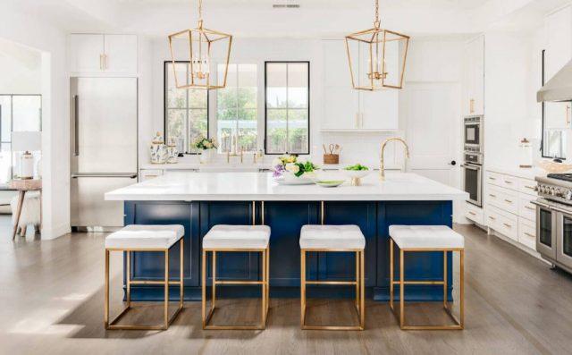 https://kitchenlegacy.com/wp-content/uploads/2021/04/GOLD01_Blue-Gold-White-Trendy-Kitchen_1-1500x1200-1-640x397.jpg